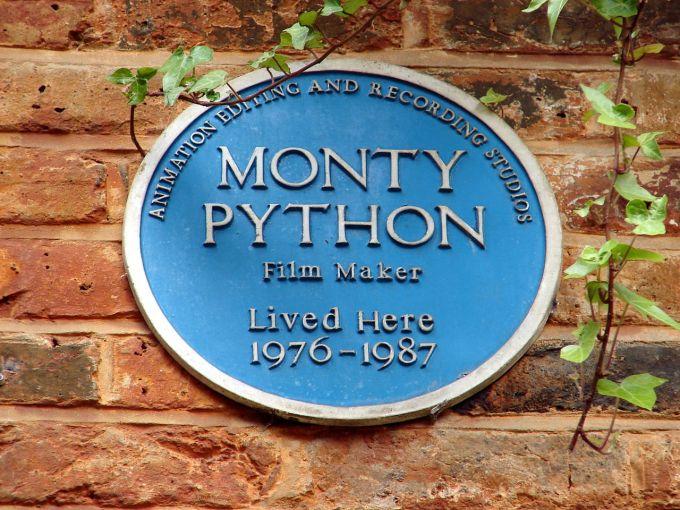 1280px-Monty_Python_(4624404749)
