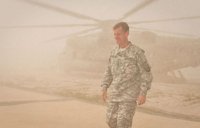 U.S._General_Stanley_McChrystal,_commander_of_International_Security_Assistance_Force_and_U.S._Forces-Afghanistan_arrives_at_Combat_Outpost_Sharp_in_April_2010