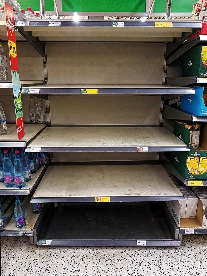 800px-Coronavirus_Covid-19_Morrisons_empty_shelves