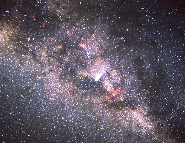 Comet_Halley_and_the_Milky_Way